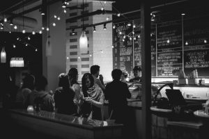 Read more about the article Five Golden Rules To Selecting A Happy Hour Menu